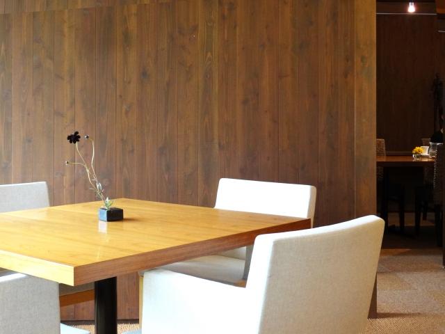 事務所の机と椅子